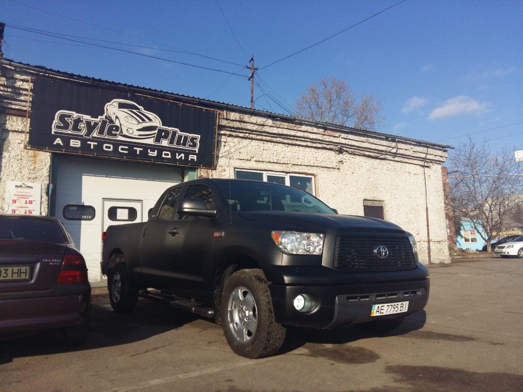 Поклейка пленки на авто в Днепропетровске